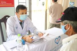 """Chương trình từ thiện:"""" Món Qùa Sức Khỏe"""" Khám tư vấn bệnh và phát thuốc miễn phí"""