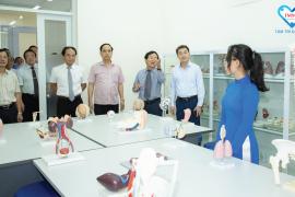 Thứ Trưởng Bộ Y Tế Gs. Ts Trần Văn Thuấn Thăm Và Làm Việc Tại Khoa Y Đh Phan Châu Trinh